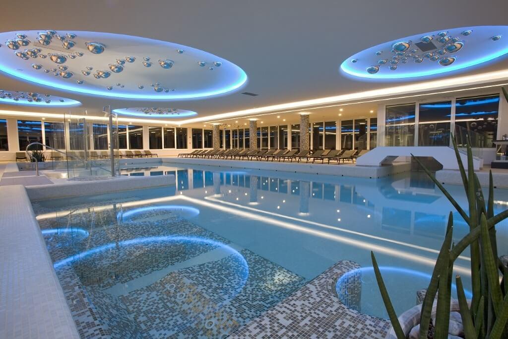 Hotel con spa ad abano terme sceltipervoi - Hotel con piscina coperta ...