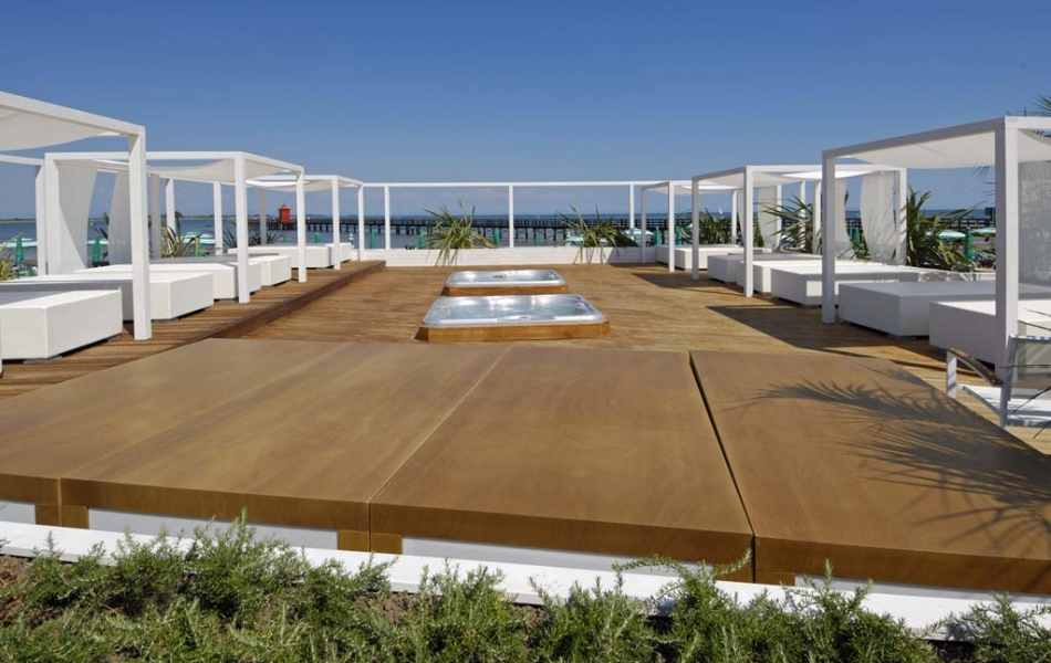 Tahiri Beach Club