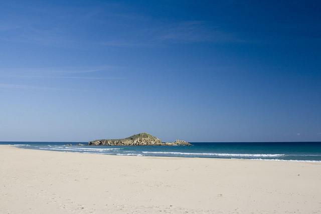 Spiaggia di Chia, Su Giudeu (Pula). Foto (cc) by Sergio Poppi, @orsobruco su Flickr.