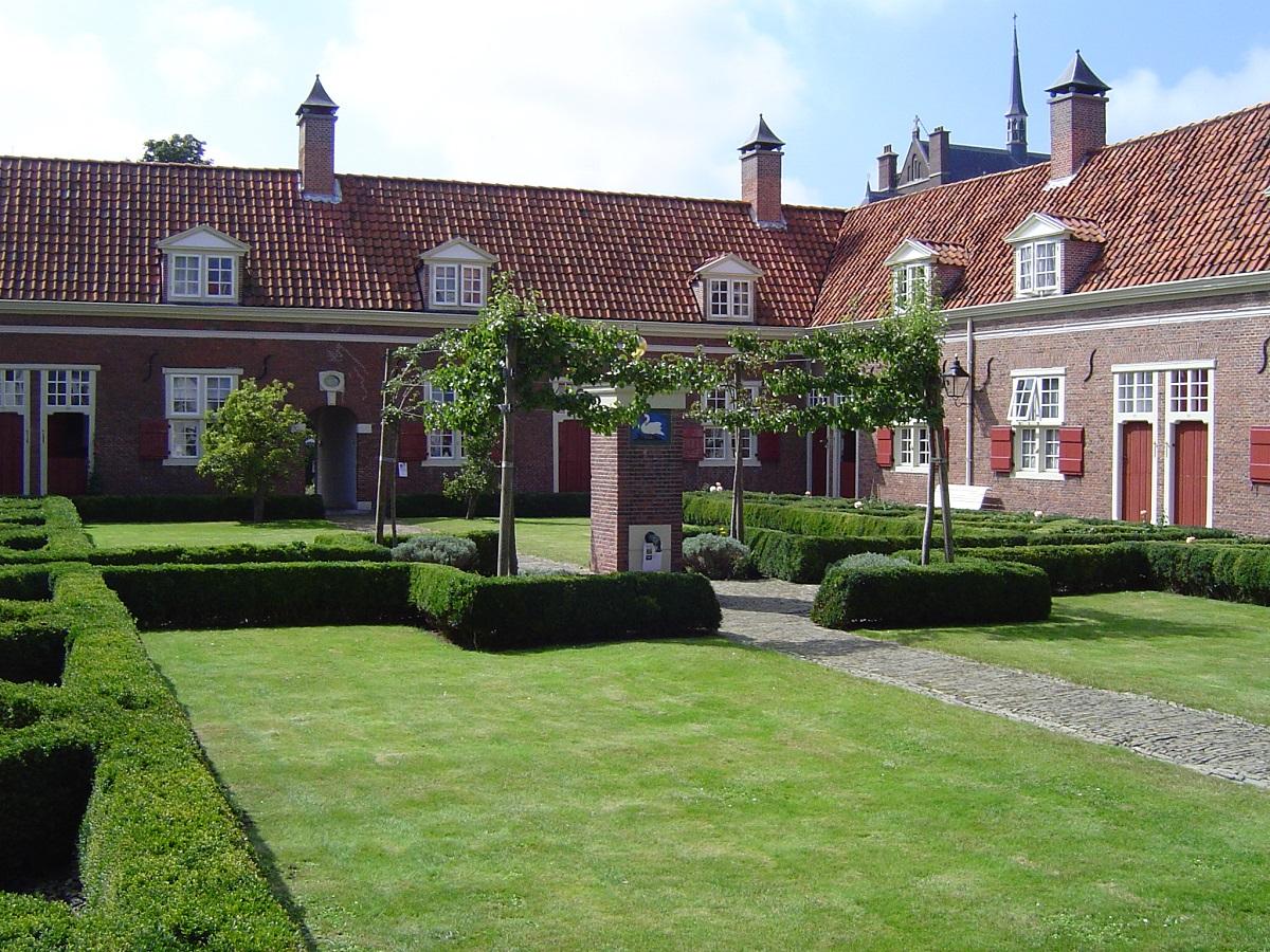 Hofje van Vrow, uno dei cortili più celebri della città