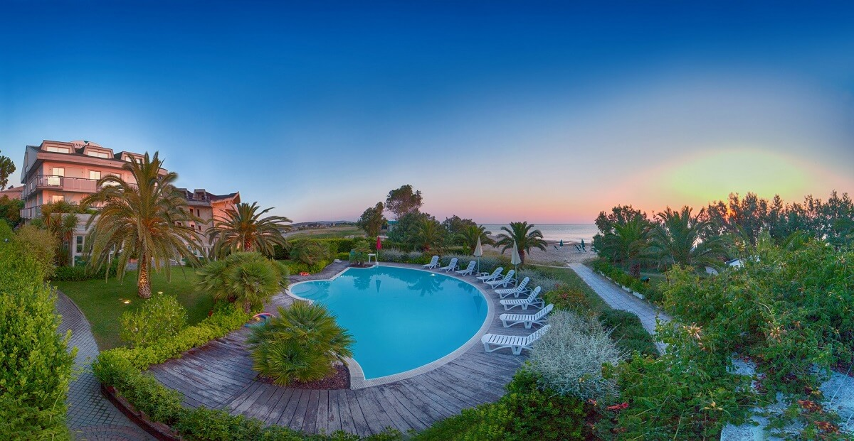 Matrimonio Sulla Spiaggia Emilia Romagna : I migliori hotel sul mare in italia la classifica dell