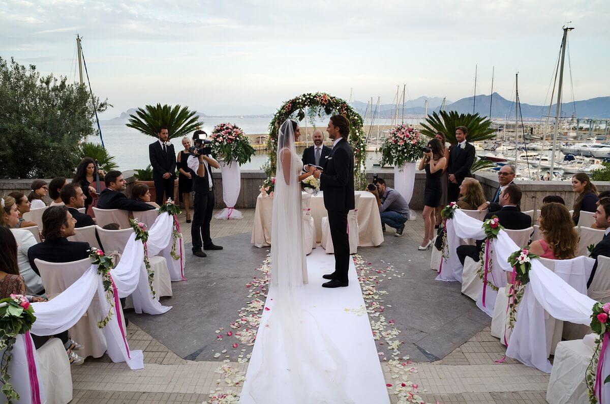 Matrimonio Spiaggia Sperlonga : Sposarsi in hotel sì lo voglio top location per