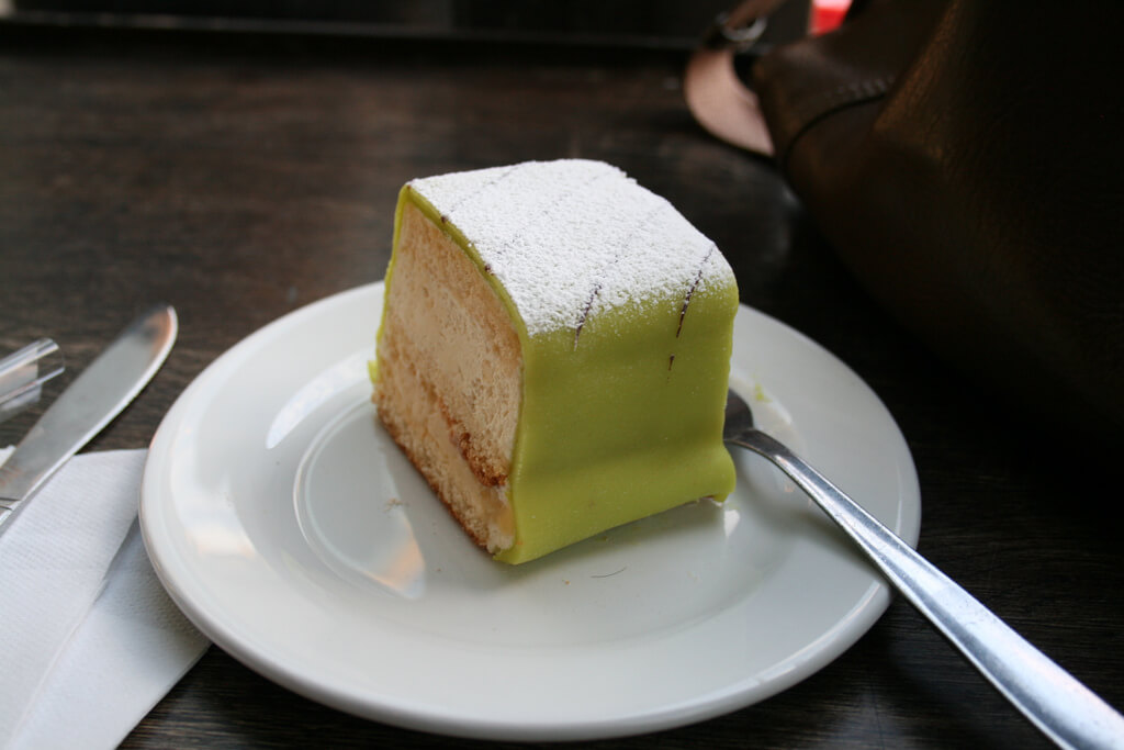traditional swedish cake