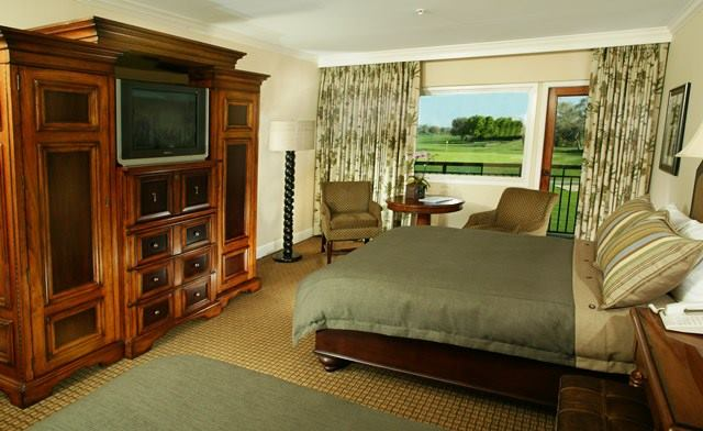 Bay Hill Club & Lodge guest room