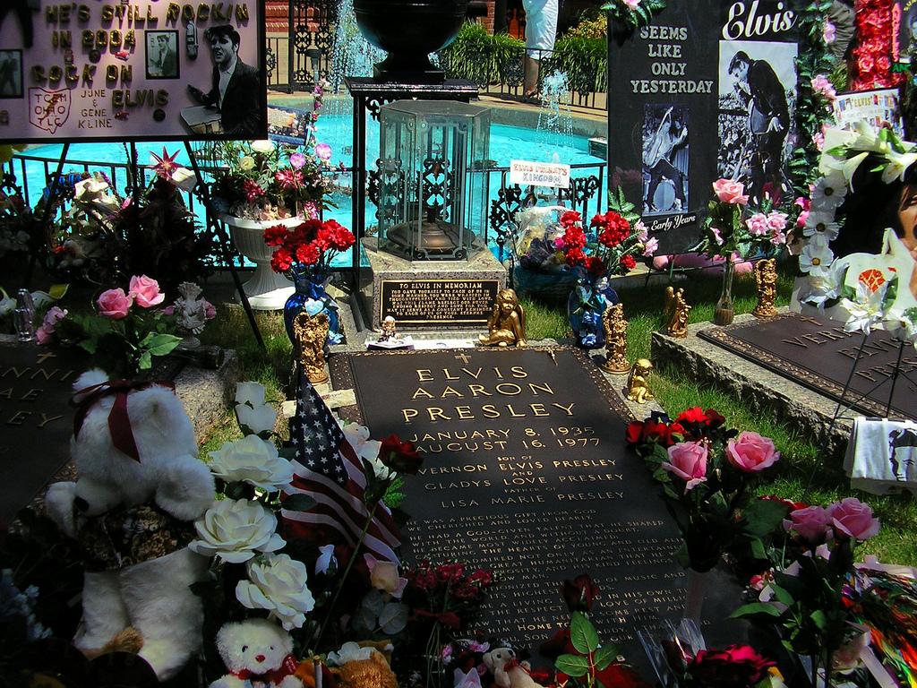 Graceland graveyard