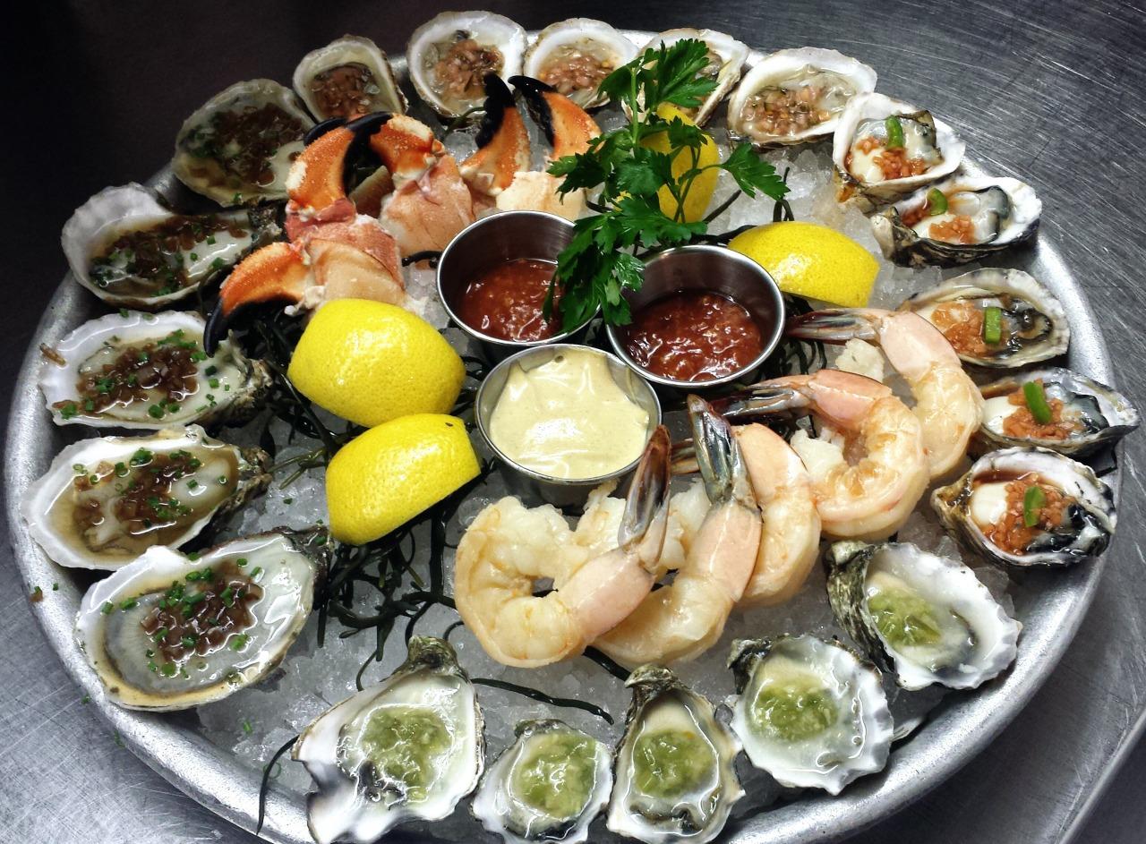 Lure fish bar, new York