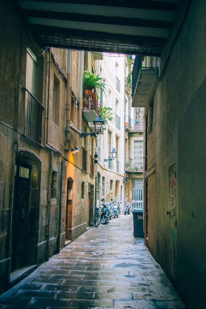 Barcelona locals travel guide