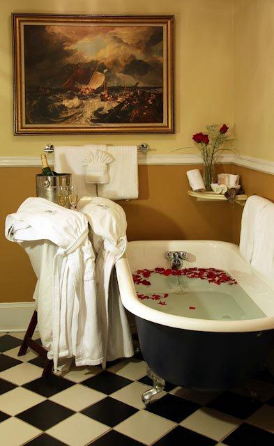 Romantic Hotels Savannah Georgia