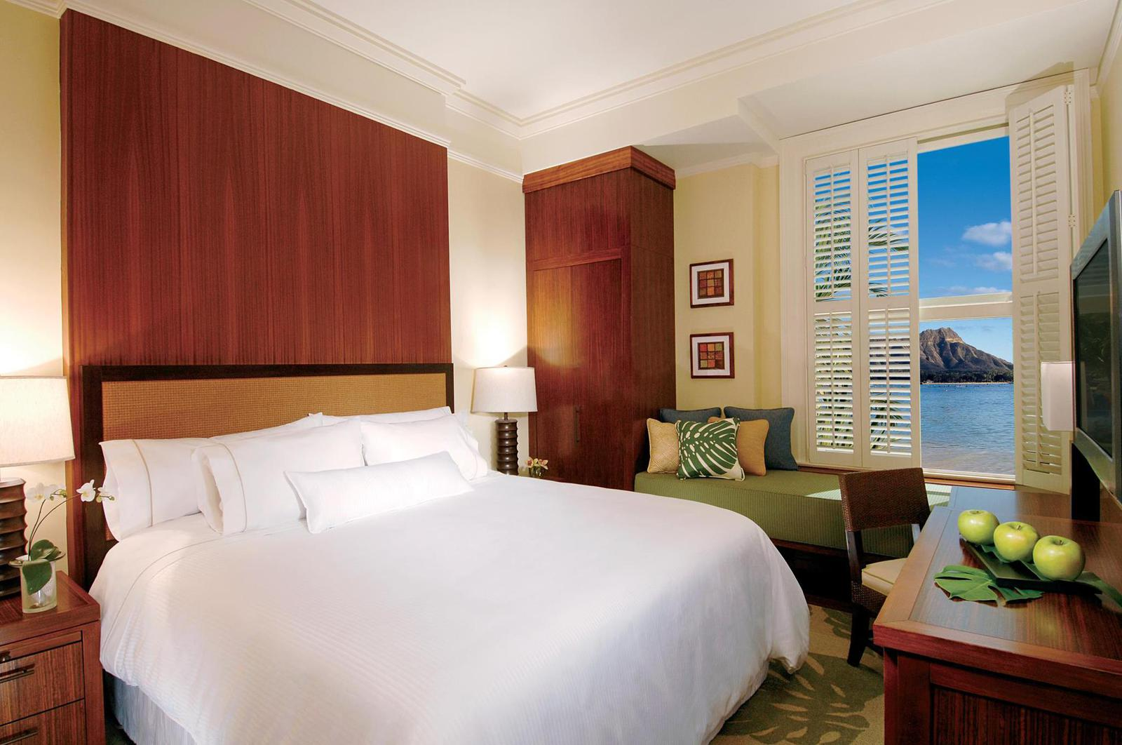 Romantic Hotel Moana Surfrider Honolulu