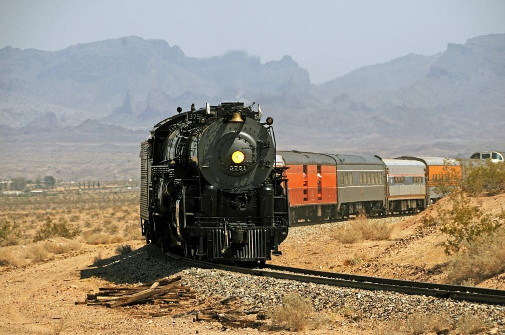 Train ride through the Grand Canyon