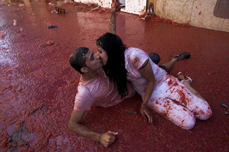 Spanish tomato fight