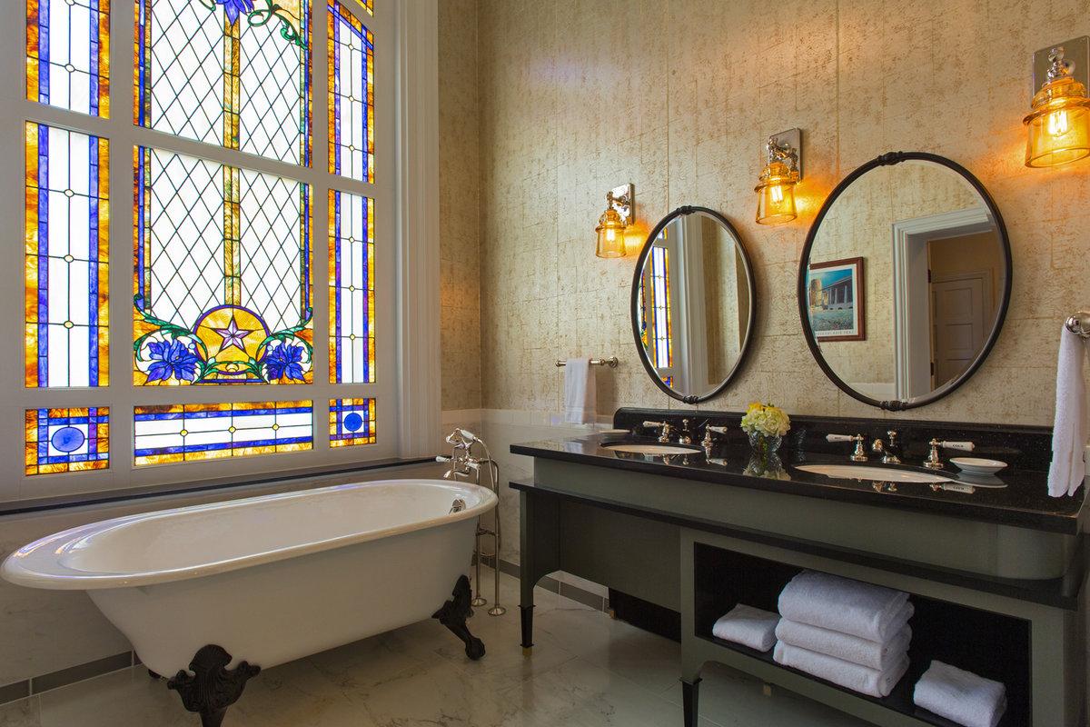 Driskill Hotel Austin LBJ Bathroom