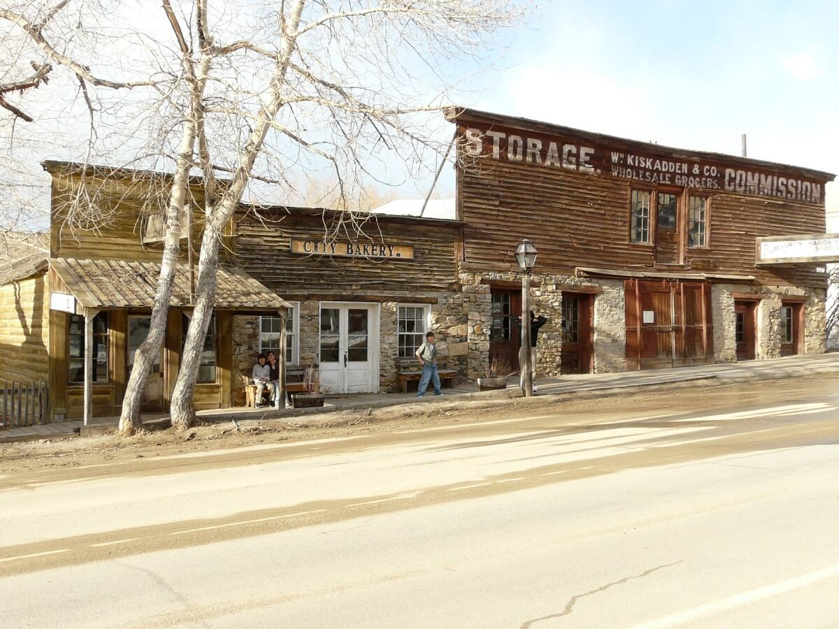 Abandoned towns in America