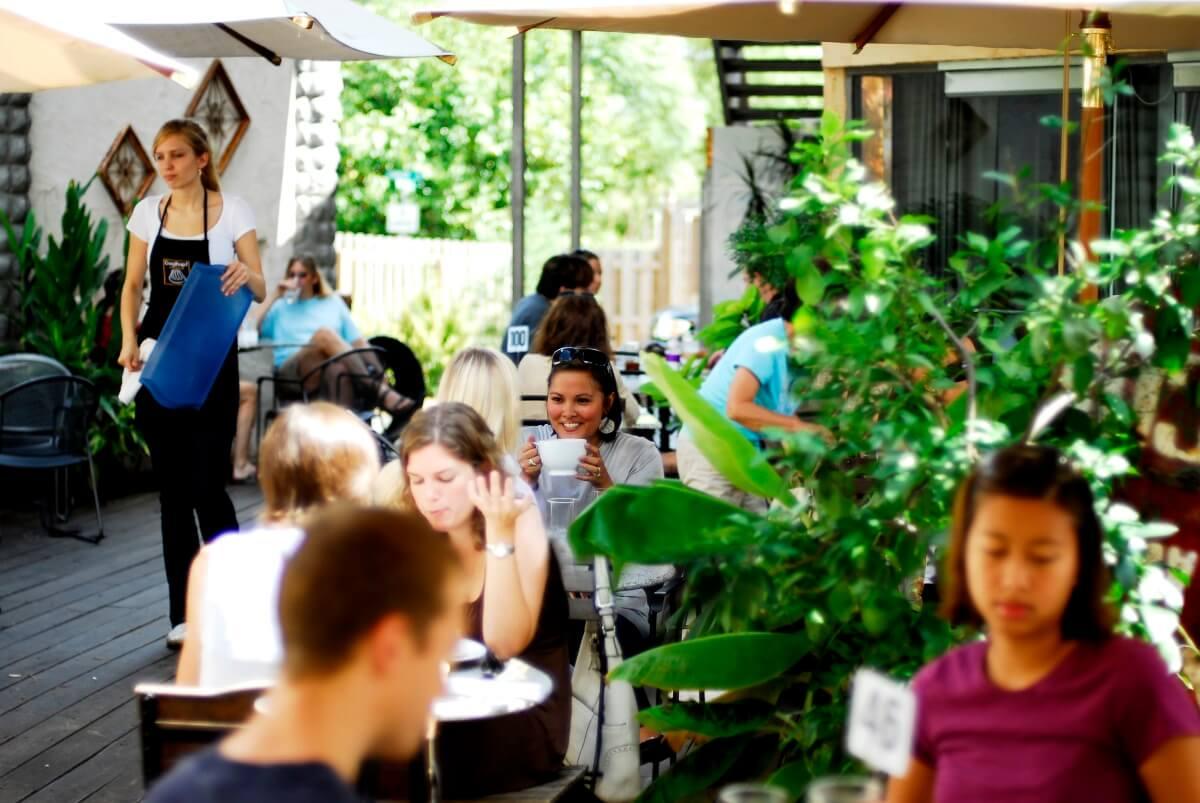 Guglhupf Cafe & Restaurant