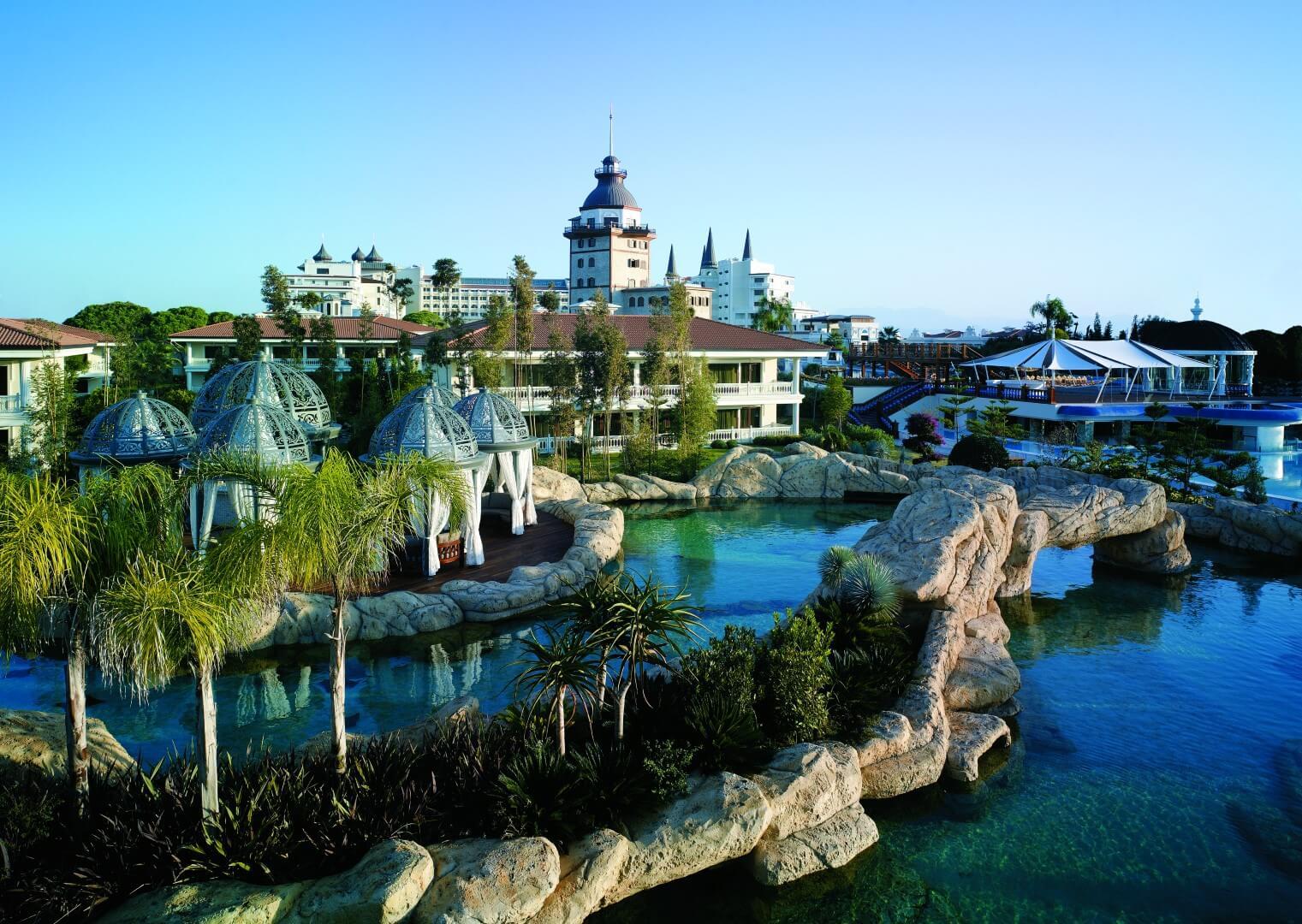 Los 10 hoteles con las mejores piscinas del mundo for Hoteles baratos con piscina climatizada