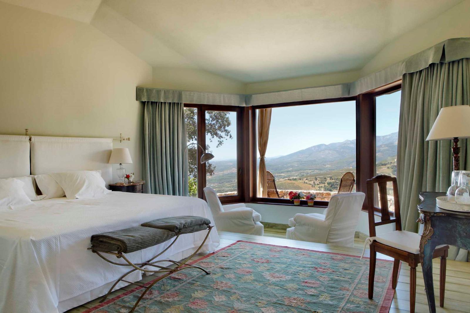 Los 10 mejores hoteles con vistas a la naturaleza for Hoteles con habitaciones dobles comunicadas