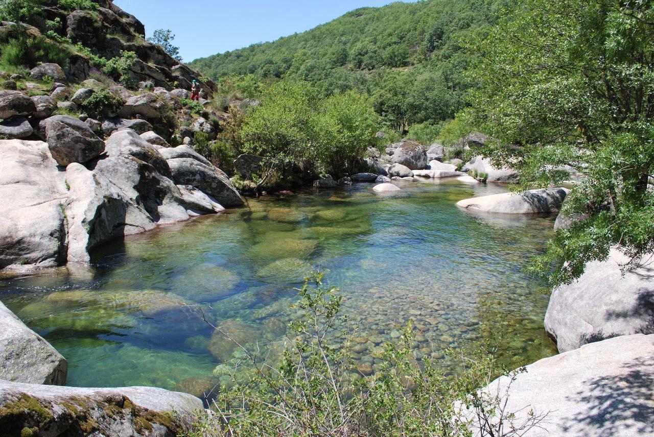 Un verano diferente los mejores planes para un verano en for Piscinas naturales ochagavia