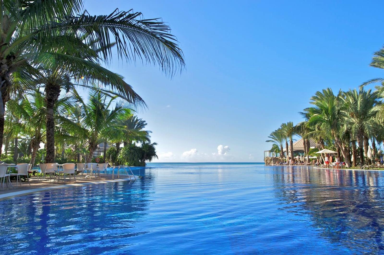 Hoteles con las mejores infinity pool de espa a y portugal - Hotel siete islas en madrid ...
