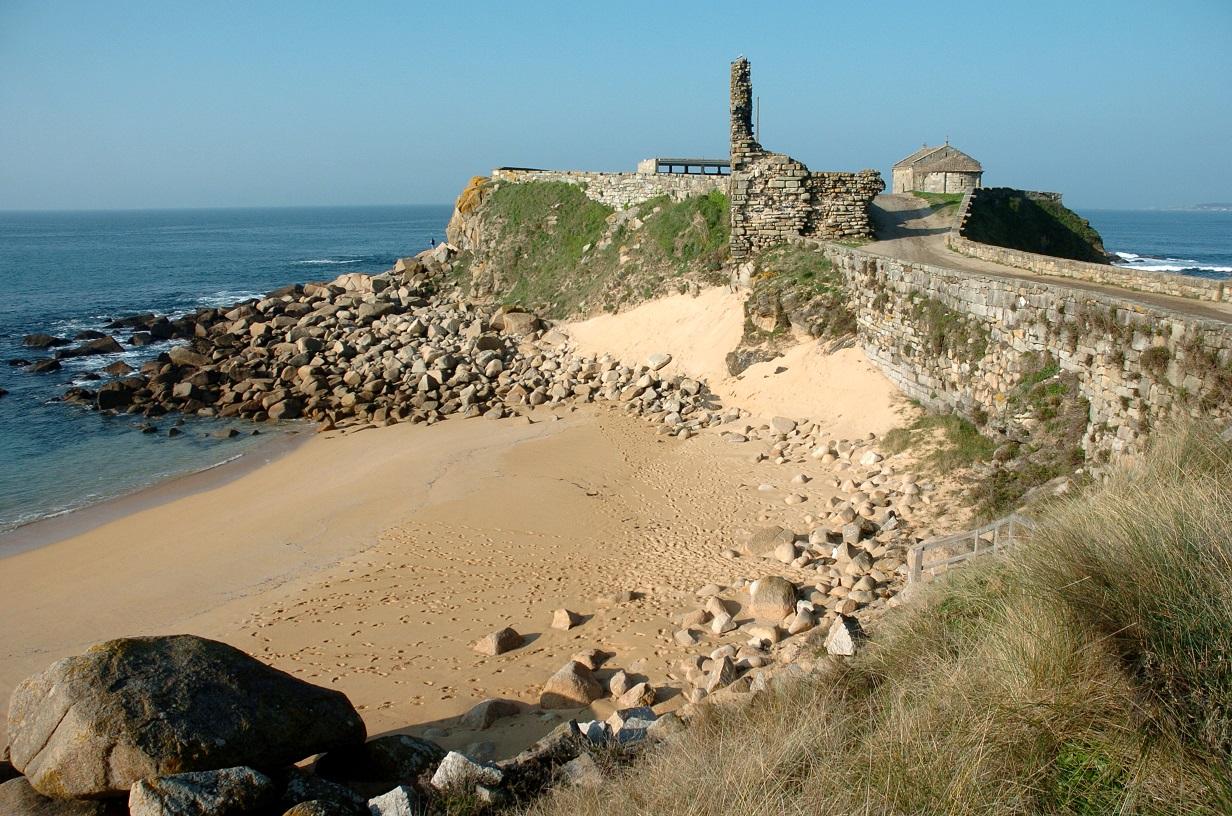 qué ver en Portonovo Playa de la Ermita de Ntra. Sra. de A Lanzada (Sanxenxo)