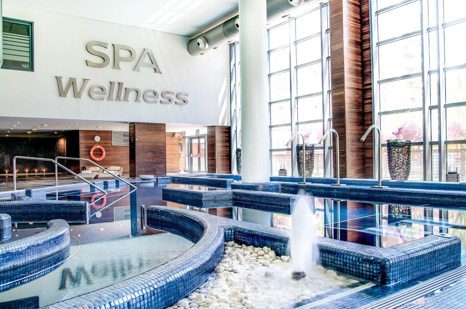 Los mejores hoteles con spa de espa a - Hoteles con piscina climatizada en madrid ...