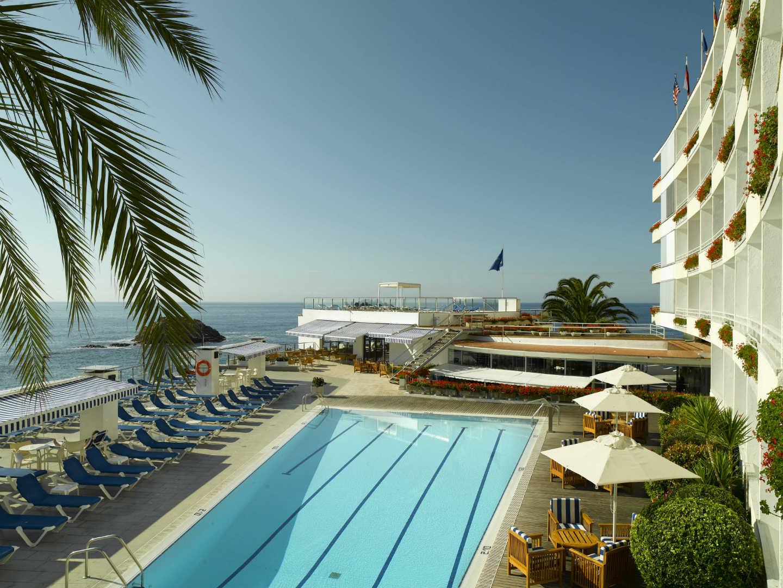 Piscina con vistas al mar en Gran Hotel Reymar & Spa en Tossa de Mar, Costa Brava