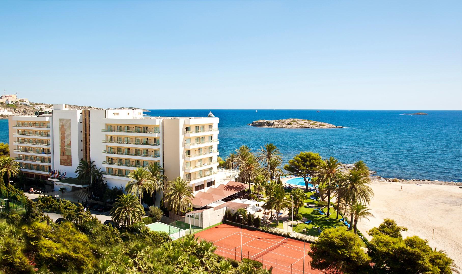 hoteles playa ibiza A- Panorámica-jardin (Large)