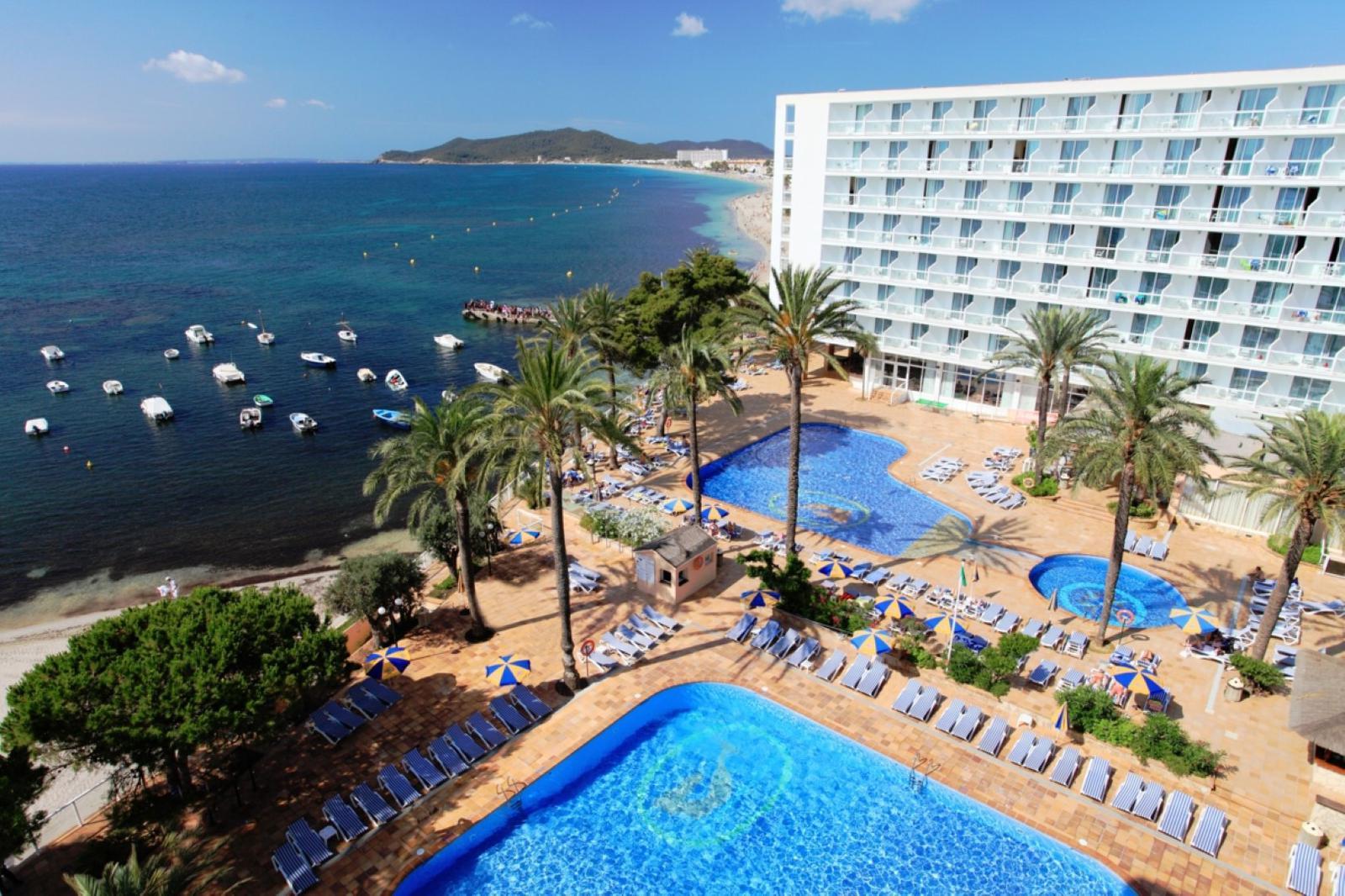 hoteles playa ibiza Sirenis_Hotel_Tres_Carabelas_Spa_panoramic_01 (Large)