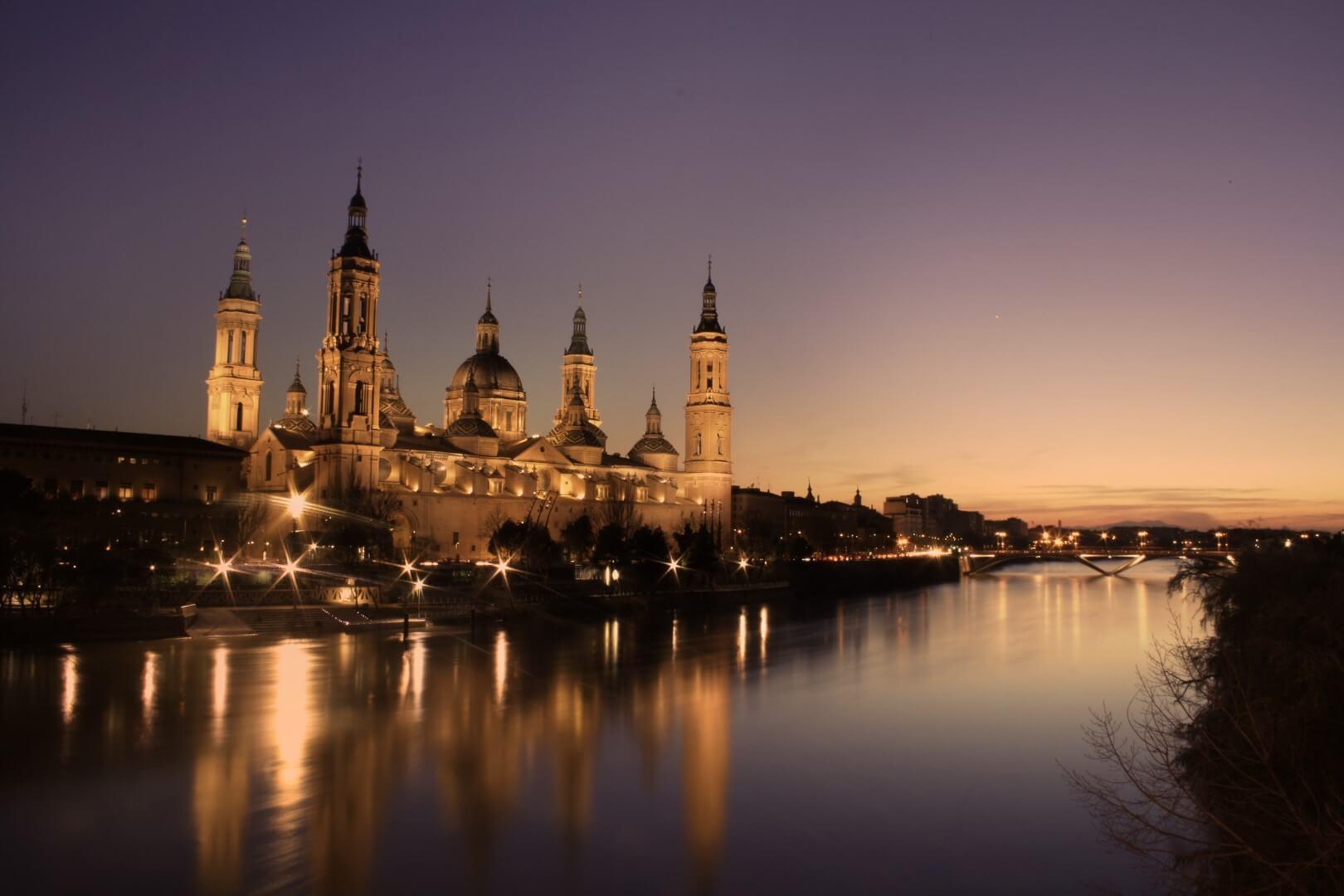 puesta de sol Atardecer desde Basílica del PIlar en Zaragoza
