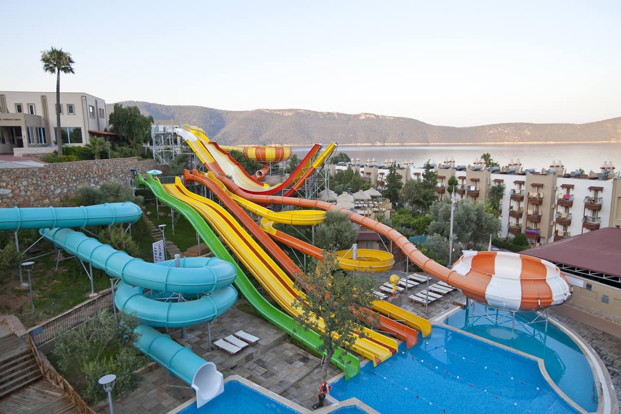 Los 10 mejores hoteles con parque acu tico del mundo for Hoteles en portonovo con piscina