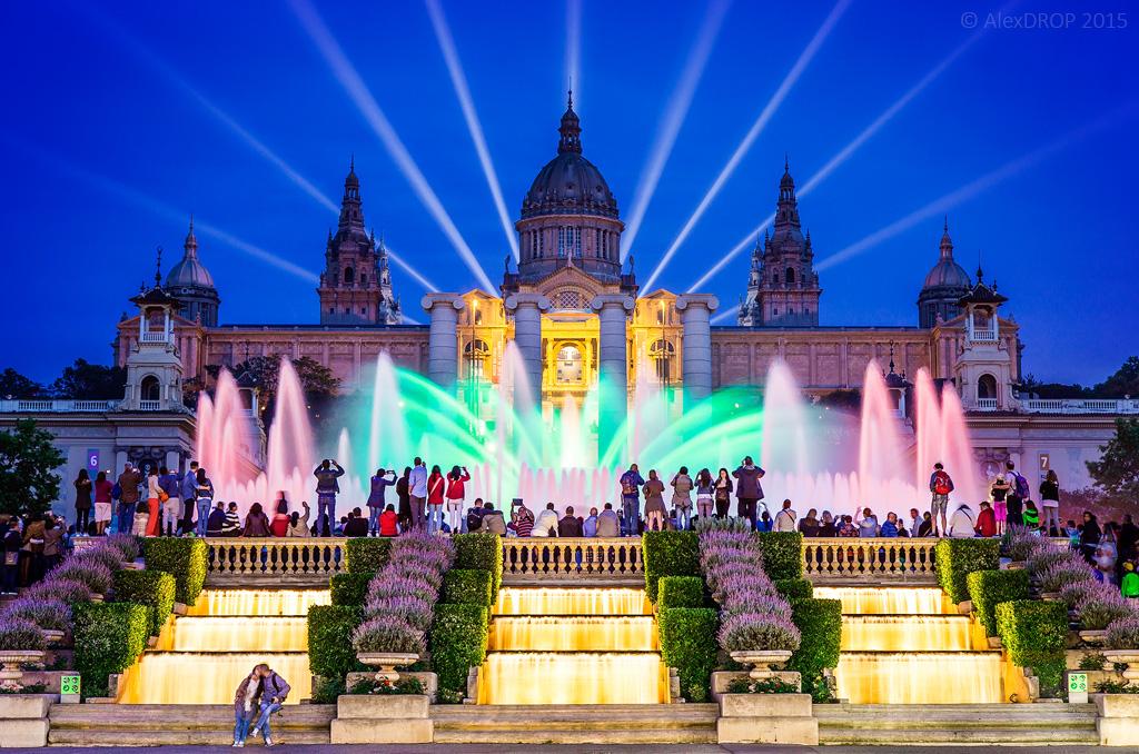 Qu ver en barcelona en un fin de semana for Espectaculo fuentes de montjuic