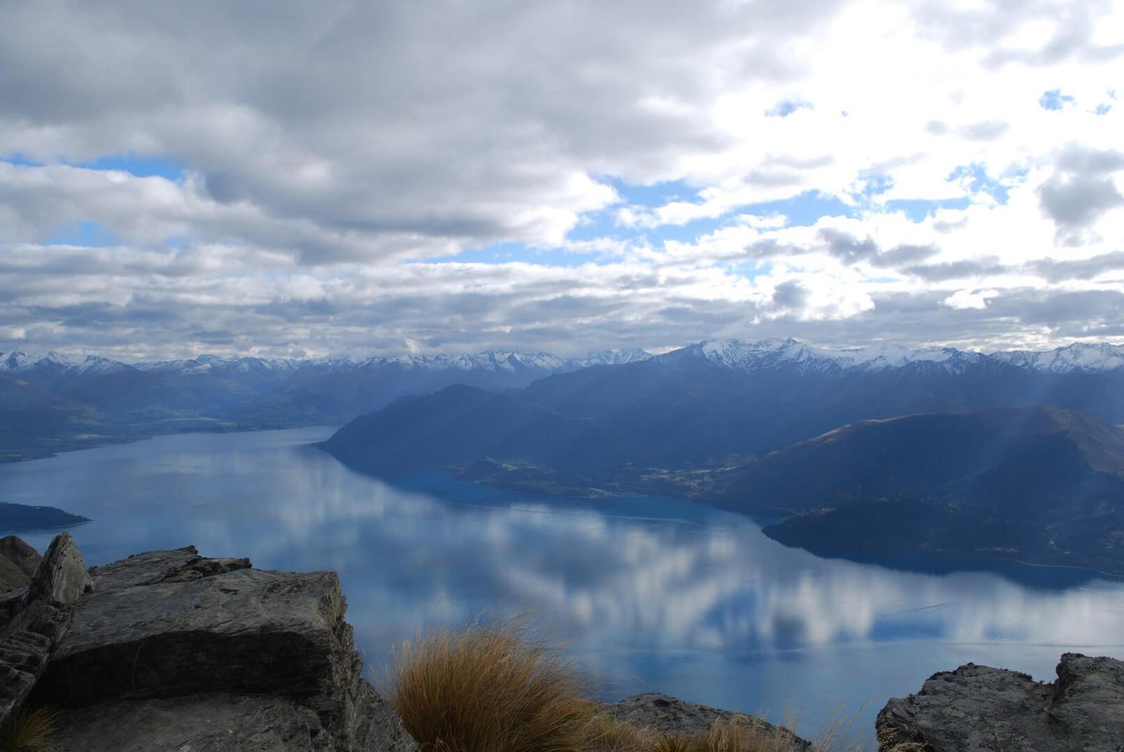Lago Wakatipu en Queenstown. Turismo en Nueva Zelanda.