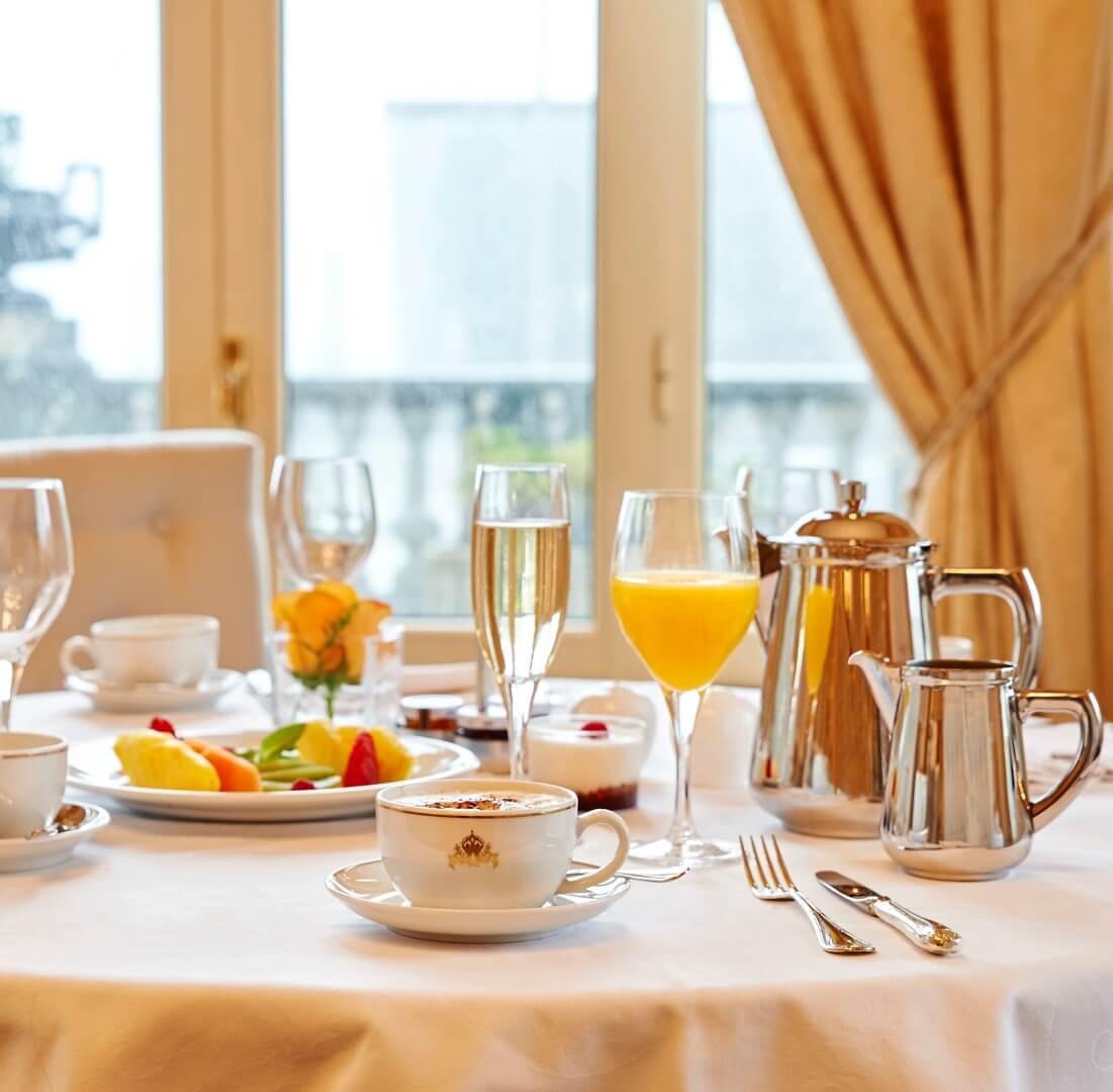 Desayuno hotel María Cristina en San Sebastian (Donostia)