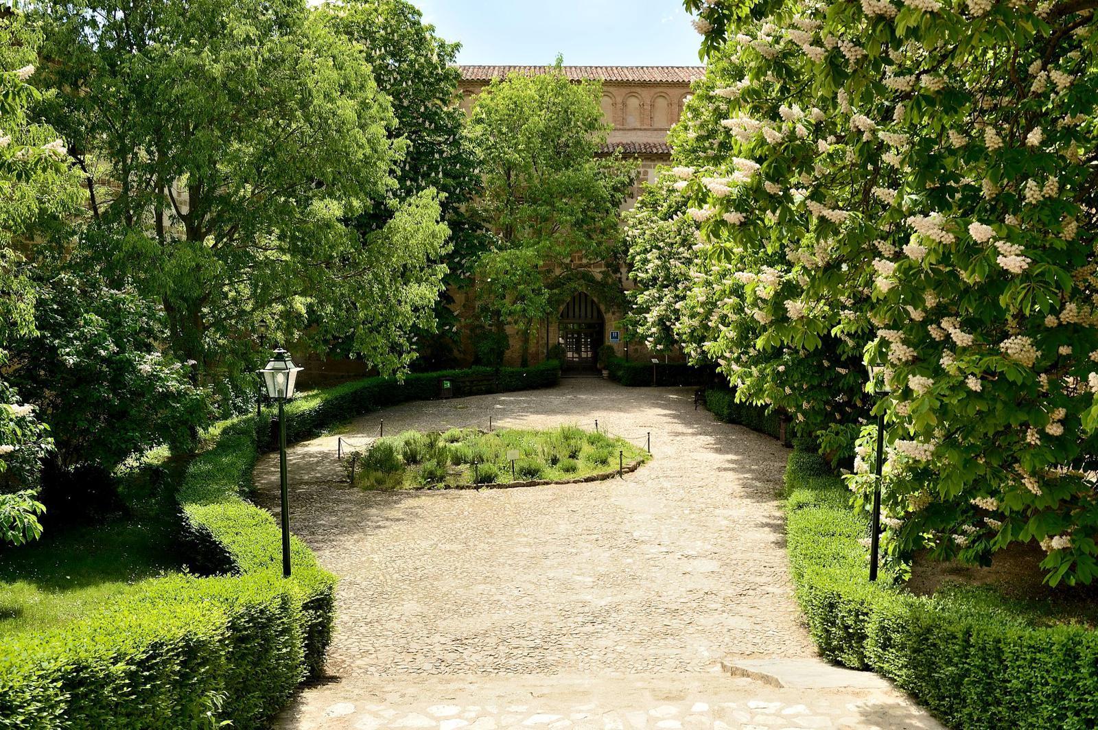Monasterio de Piedra - Garden (Large)
