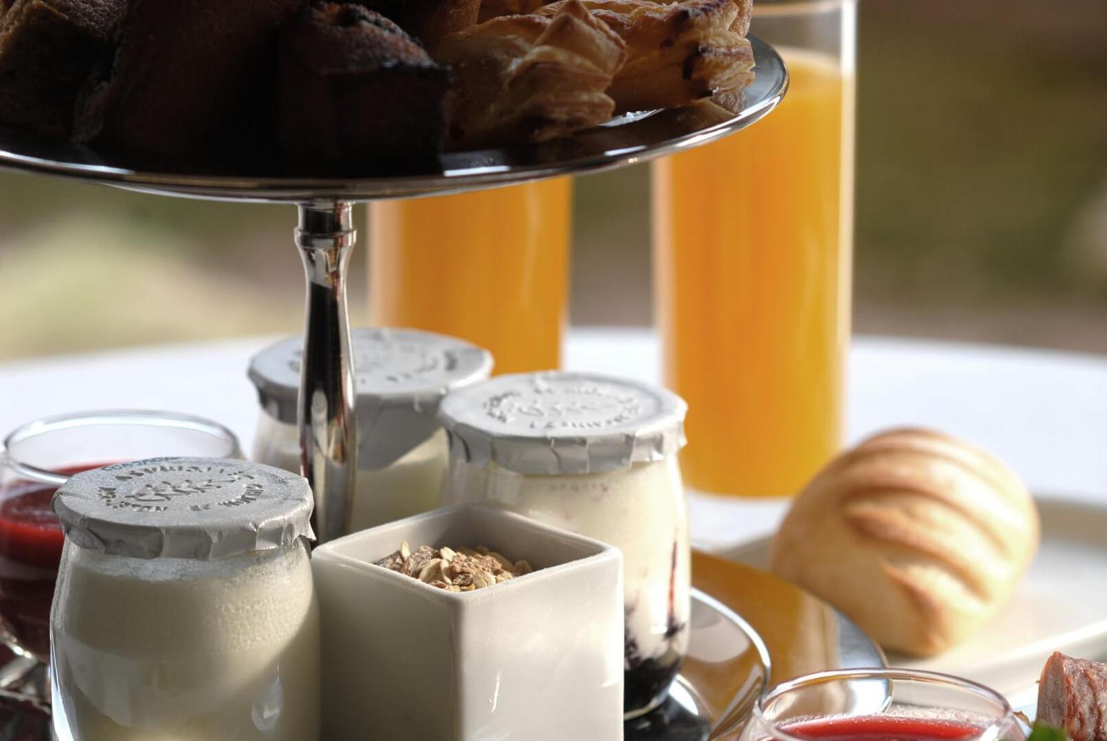 desayunos-del-molino-de-alcuneza-con-zumos-naturales-yogures-artesanos