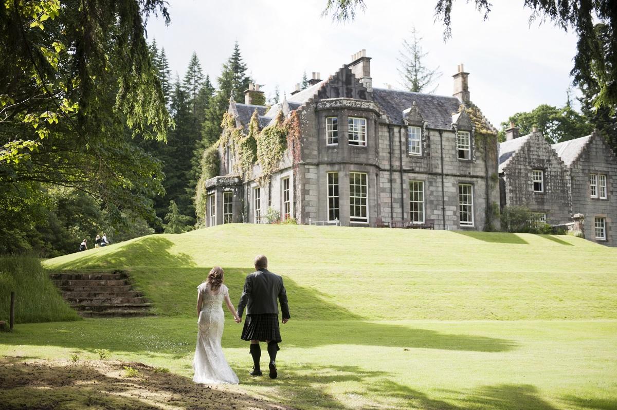 Scottish wedding hotels: Ardanaiseig