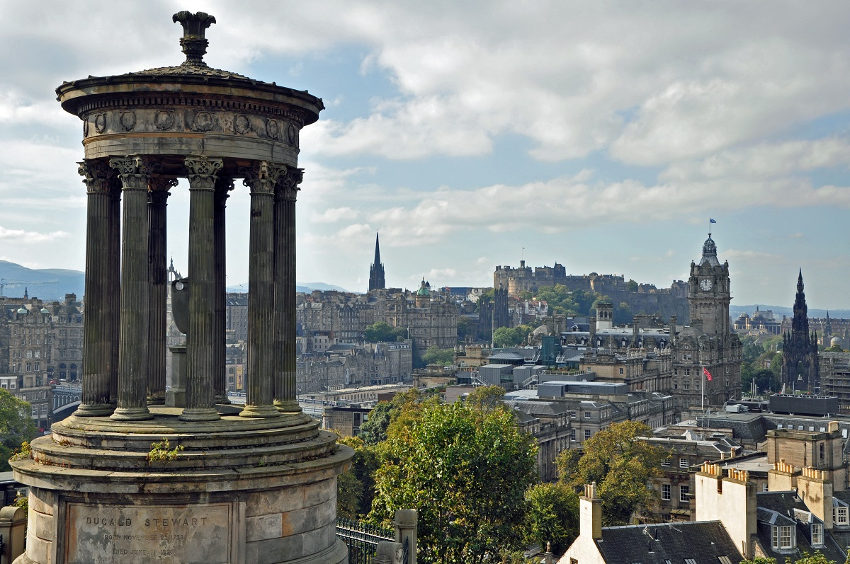 Romantic city breaks for couples - Edinburgh