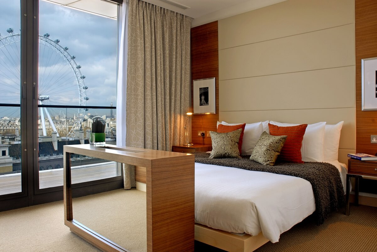 School 39 s out the best family friendly hotels in london for Family room accommodation