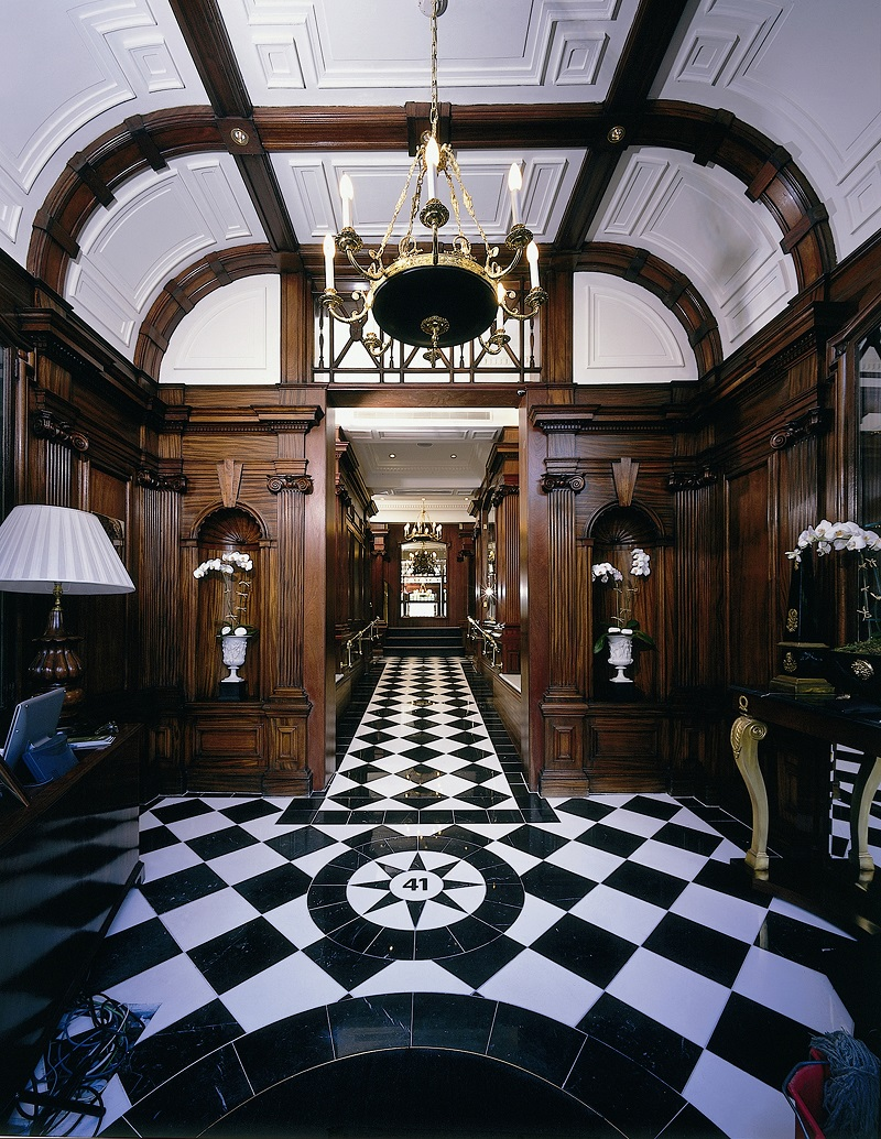 the top 10 highest rated hotels in london. Black Bedroom Furniture Sets. Home Design Ideas