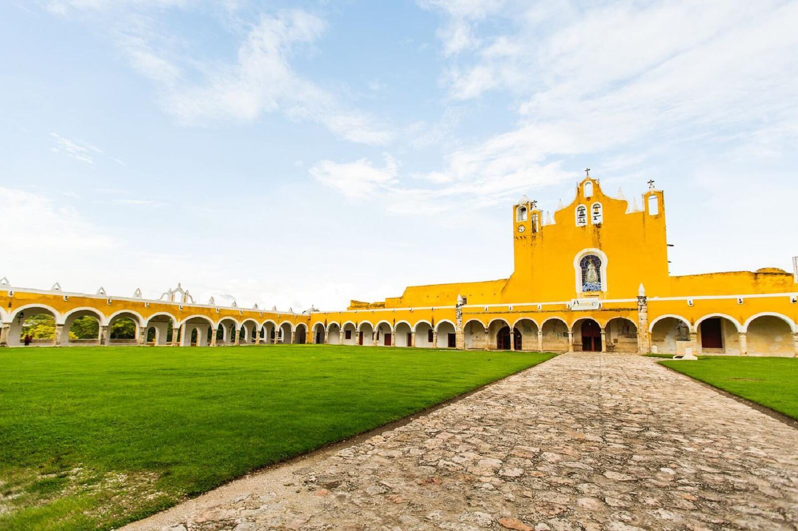 Conoces esta ciudad amarilla en yucat n for Construccion de piscinas merida yucatan