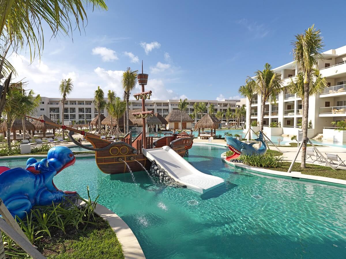 5 hoteles familiares para disfrutar las playas de m xico - Hotel piscina toboganes para ninos ...