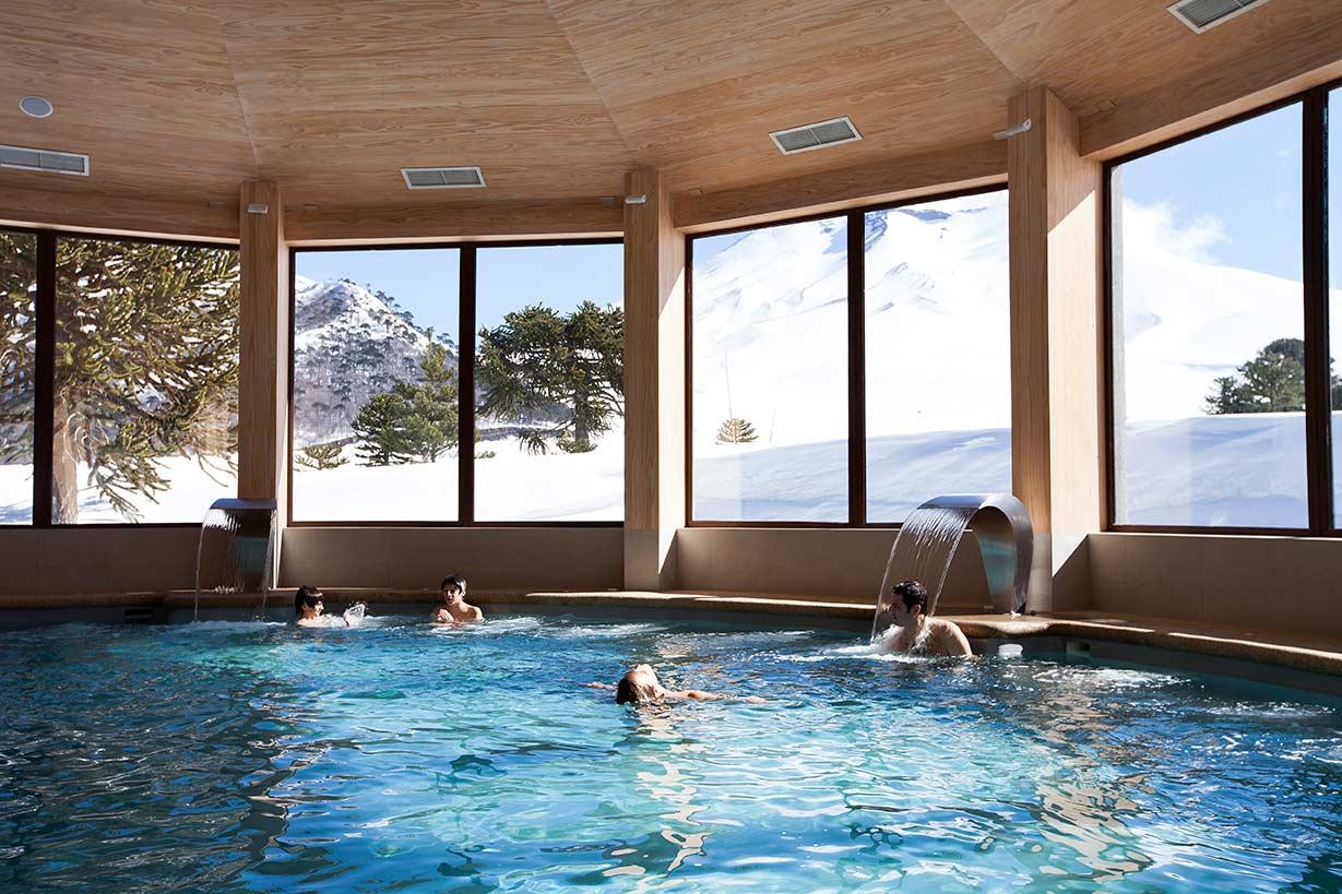 Piscina do Valle Corralco Resort & Spa, no Chile.