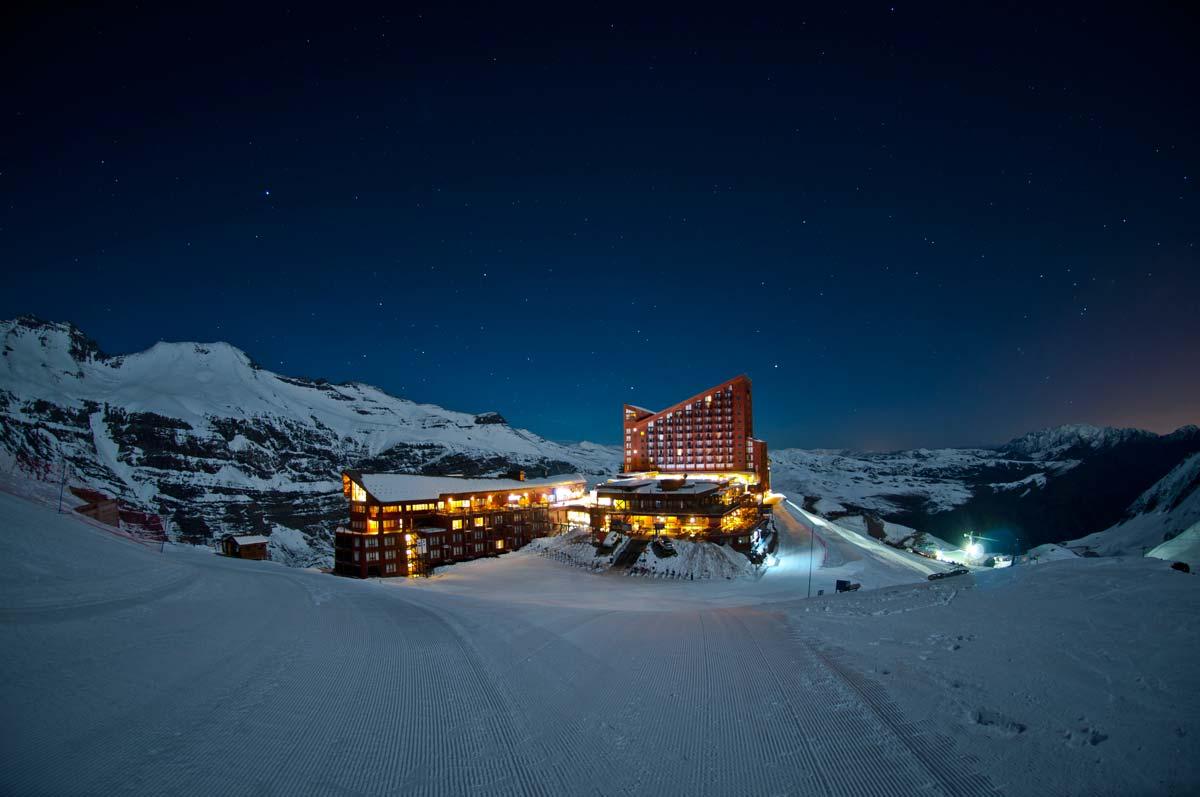 Vista noturna do Valle Nevado.