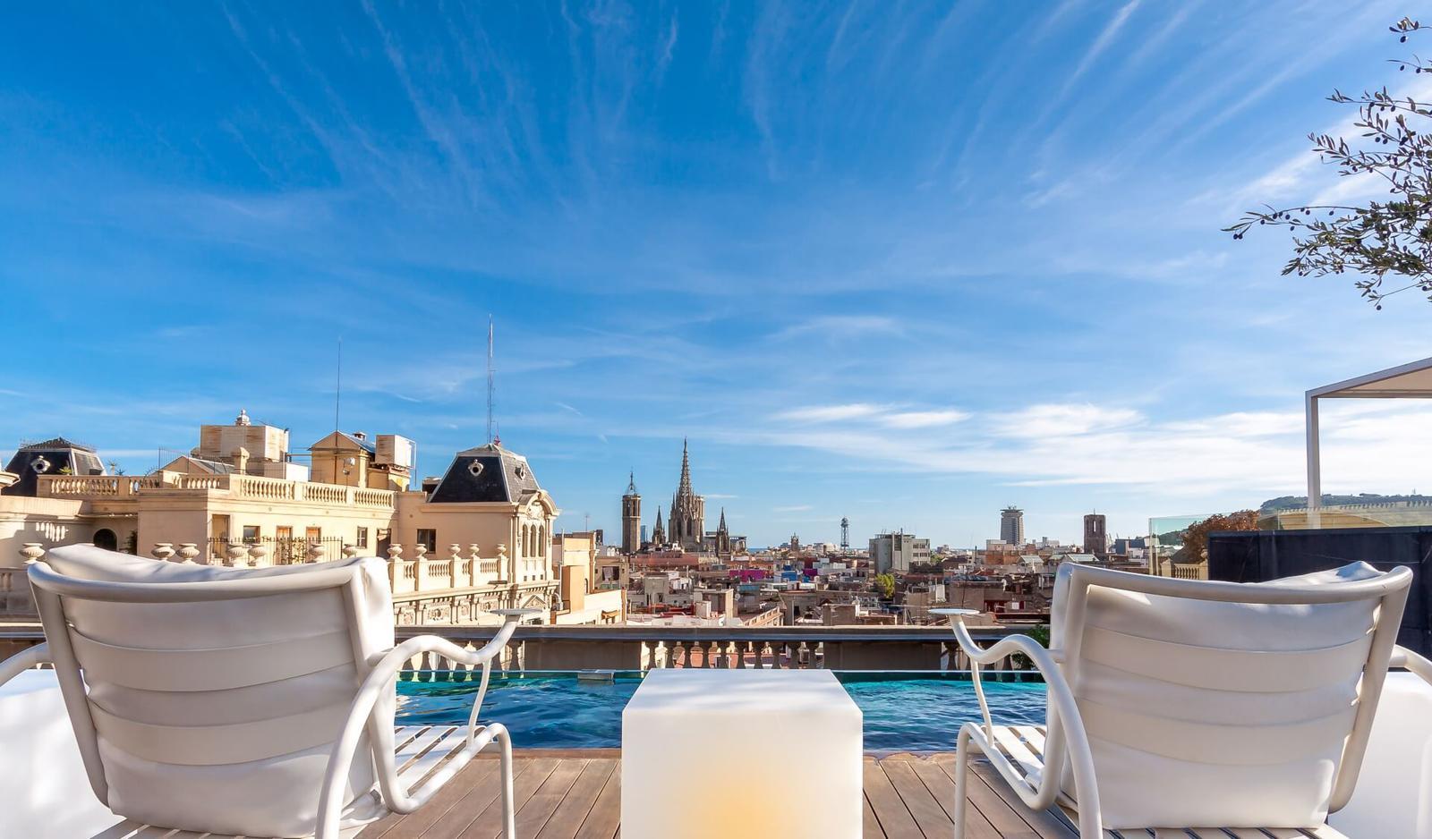 i migliori hotel con piscina sul tetto di barcellona