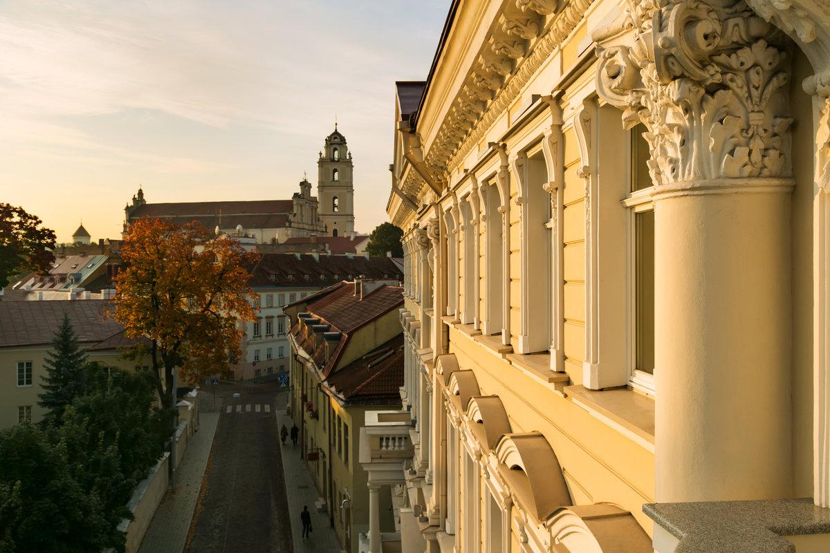 Hotelli Kempinskin julkisivu