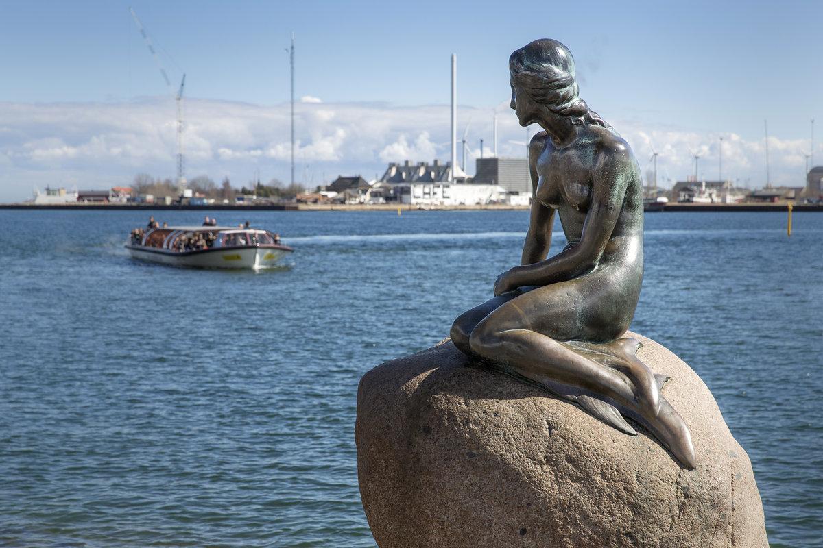 H. C. Andersenin pieni merenneito