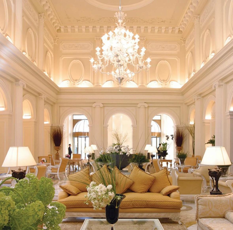 Hotellin upea aula