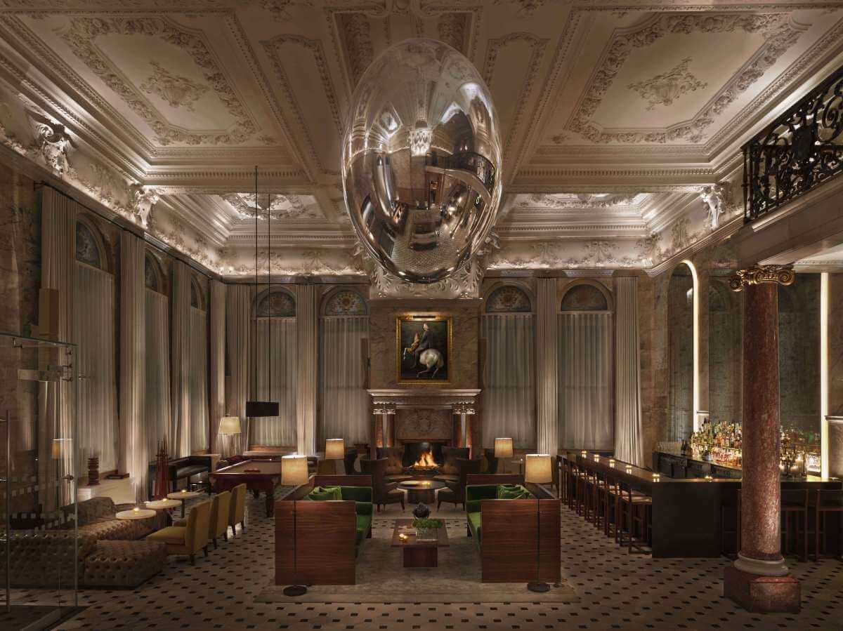The Edition hotellin aula