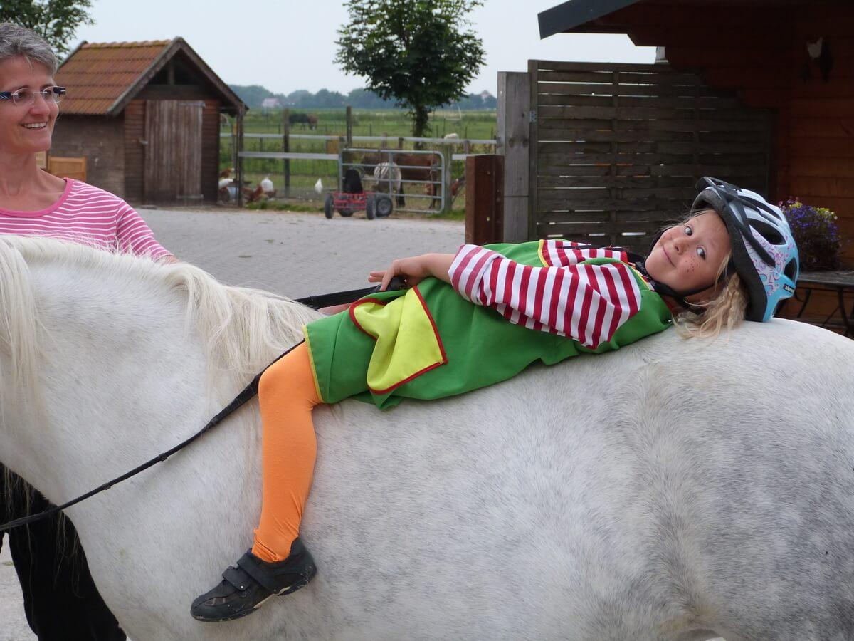 Erlebnishof Janssen pige på hest