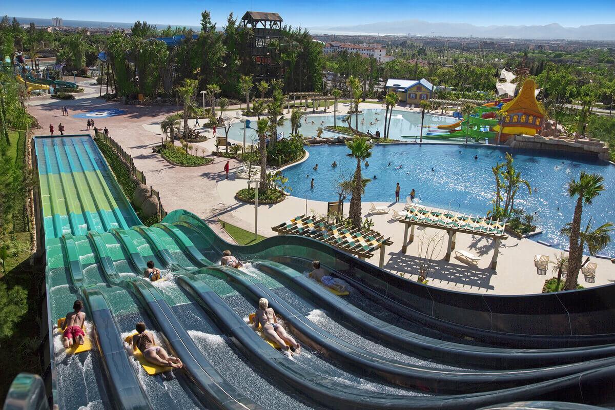 Port-Aventura-Costa-Caribe-Aquatic-Park-Rapid-Race-Slide