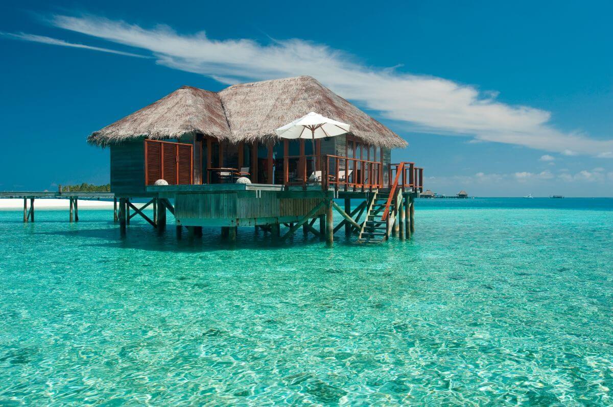 hoteles en los que puedes dormir sobre el mar